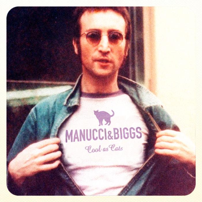 John Lennon mit Manucci+Biggs T-Shirt